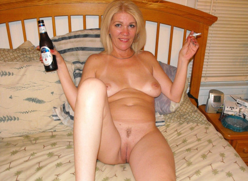 pictures nude moms № 136403